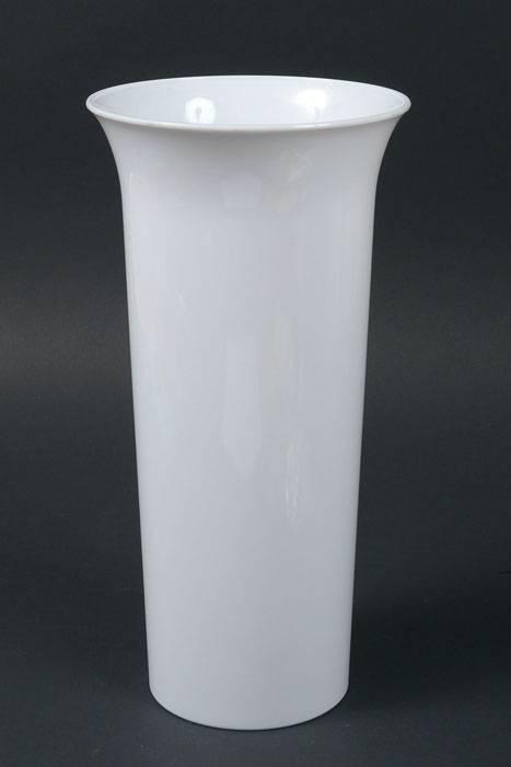 7 Quot X 14 Quot Round Plastic Vase White Gandgwebstore Com