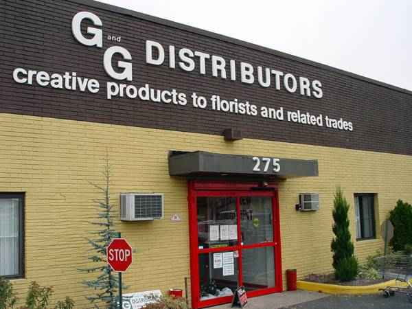 G and G Distributors Direction : Feather : Wholesale Florist of