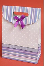 "7.5"" X 10.5"" X 3.5"" PAPER GIFT BAG W/BOW LAVENDER/PURPLE PKG/12"