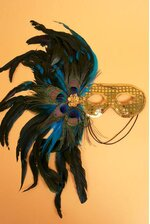 """18"""" SEQUIN MASK W/4 PEACOCK EYES & FEATHERS GOLD"""
