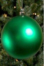 150MM MATT PLASTIC BALL GREEN