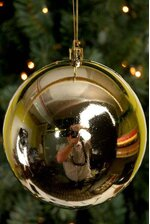 120MM SHINY PLASTIC BALL GOLD