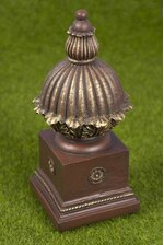 """9"""" DECO BALL W/STAND"""
