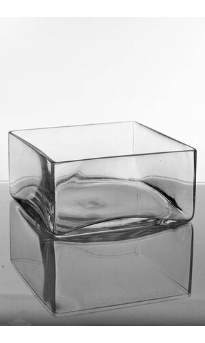 """8"""" X 8"""" X 4"""" SQUARE VASE CLEAR"""
