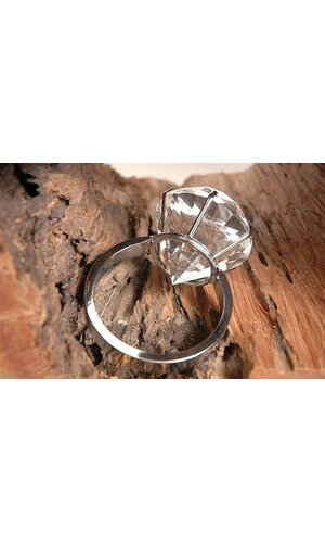 6CM DIAMOND CRYSTAL RING