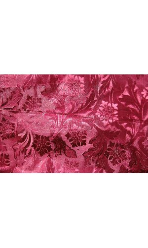 "20"" X 30' POLY EMBOSSED FOIL CRANBERRY EA"